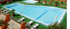 vilamoura, pool at parque das amendoeiras